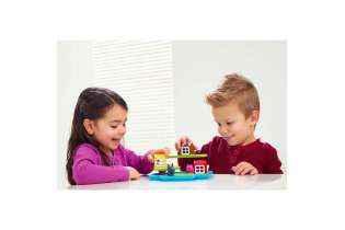 fille et garçon jouent aux Trois Petits Cochons - Casse-tête Éducatif Logique - SMART Games
